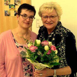 Susanne Wahl und Felizitas Frenzel wurden bei der Mitgliederversammlung mit Blumen für hervorragende Mitarbeit geehrt.